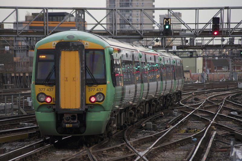 train-departing-london-bridge-in-2014-by-joshua-brown-via-flickr