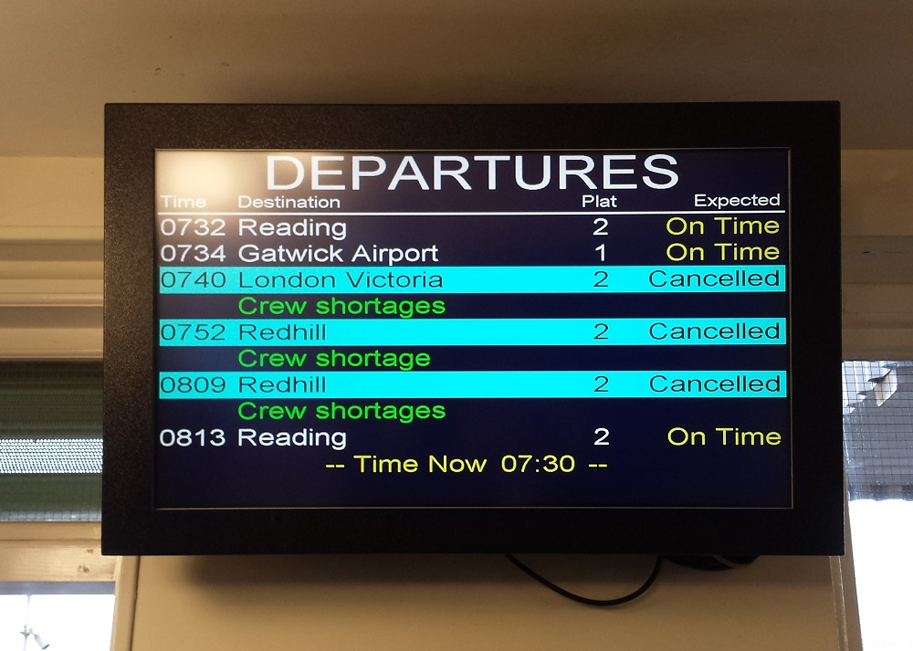 departures-board-at-reigate-7-november-2016
